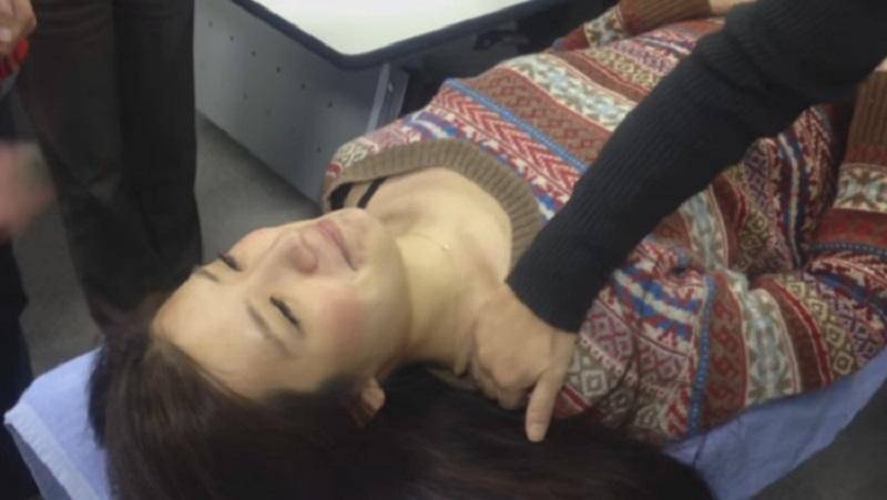 боль в шее при наклоне головы
