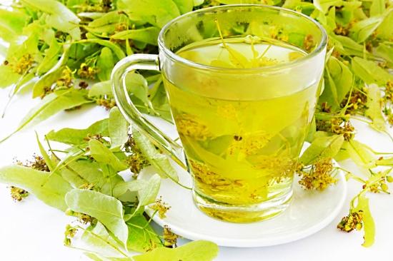Безалкогольные напитки. Целебный напиток из зеленого чая и липового цвета