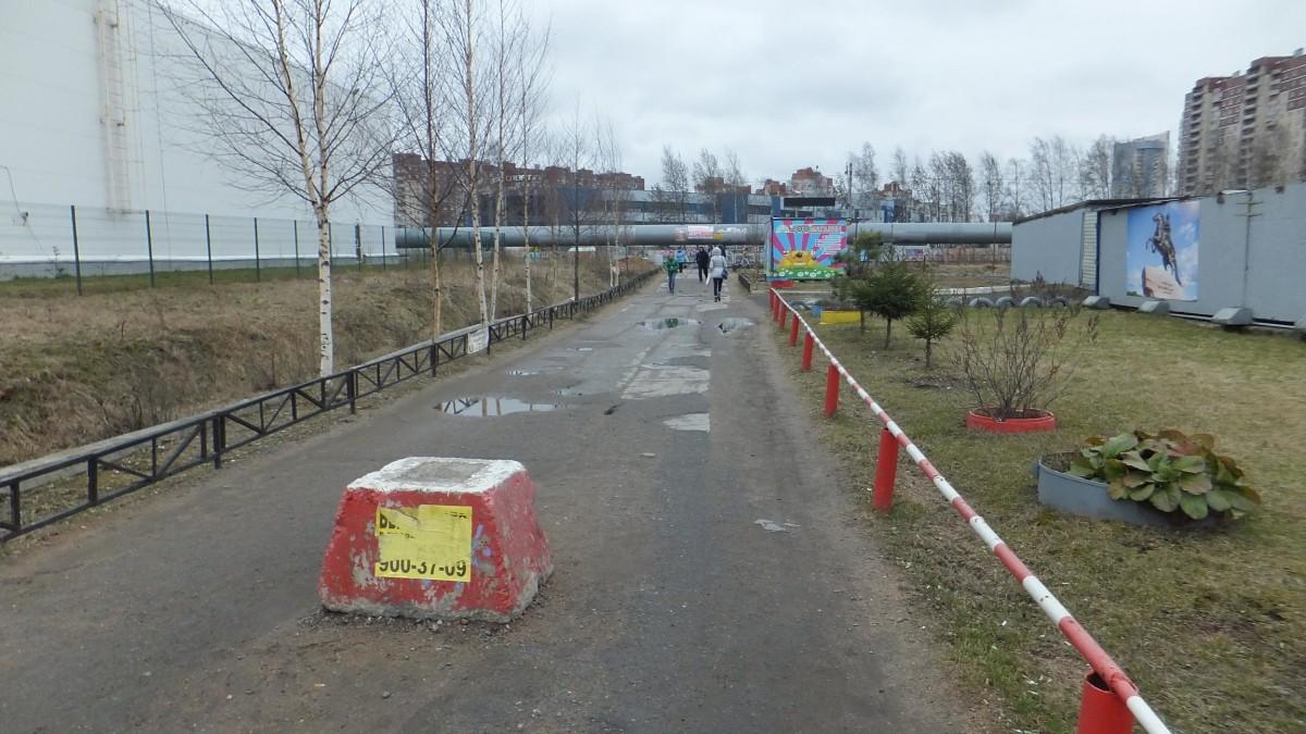 Петербургские чиновники «отремонтировали» дорогу с помощью качественного фотошопа