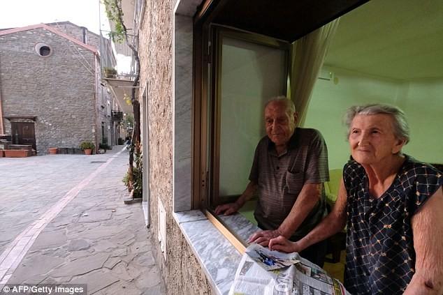 Жители итальянской деревни раскрывают секрет своего долголетия