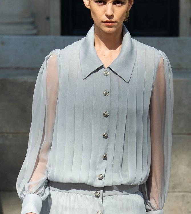 шифоновая блузка от шанель со складками