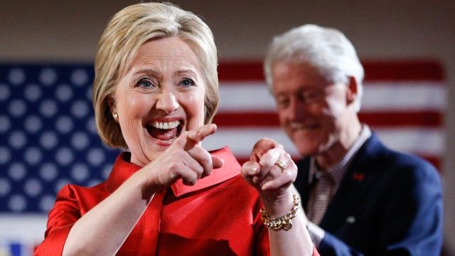 Обама поздравил Клинтон с победой в предвыборных дебатах