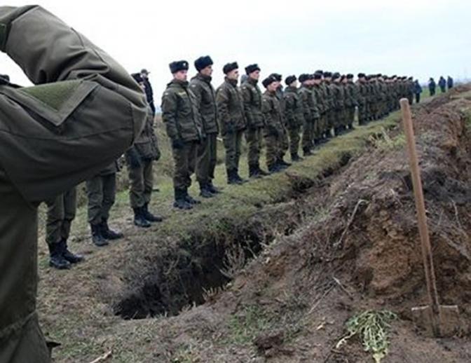 Украина проводила ёлку в последний путь — на могильные кресты