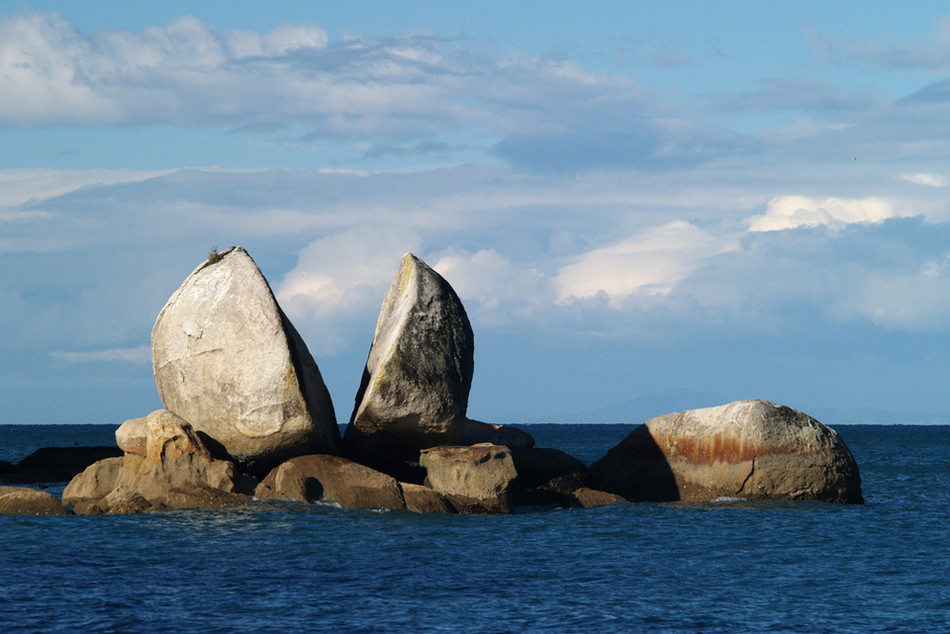 """Скала """"Расколотое яблоко"""", Кайтеритери, Южный остров, Новая Зеландия геология, история с географией, красота, скалы"""