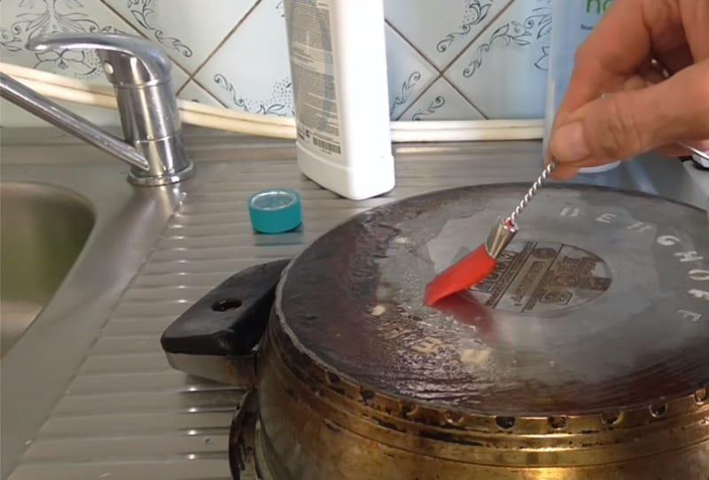 Как очистить посуду от жира? Простое средство