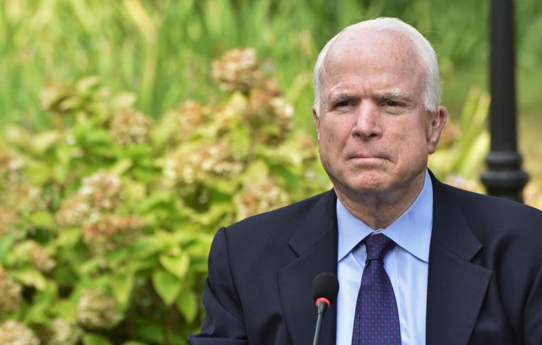 """CNN: Маккейн едко высмеял Керри за """"жёсткий"""" разговор с Лавровым"""