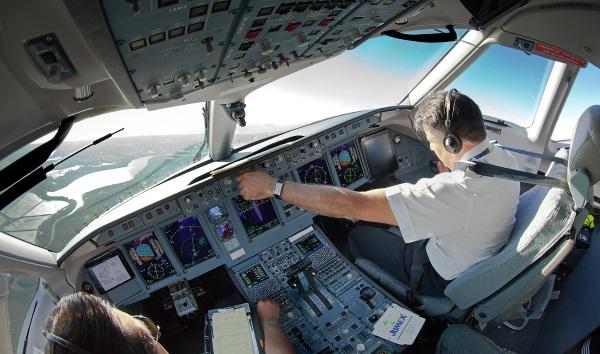 Авиавласти Италии обсудили с Росавиацией поставки самолетов SSJ100 на международные рынки