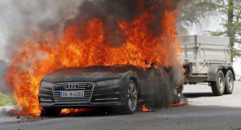 Прототип Audi A7 сгорел во время испытаний в Альпах