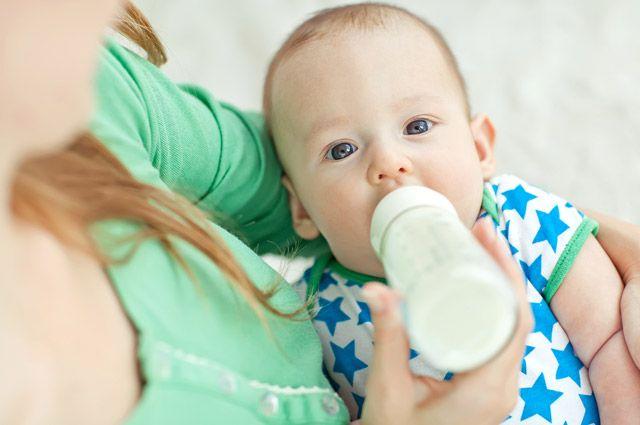 Вместо молока. Чем кормить малыша в первый год его жизни