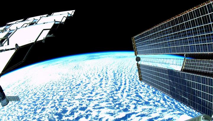Российские инженеры разработали сверхпрочный углепластик для космоса и авиации