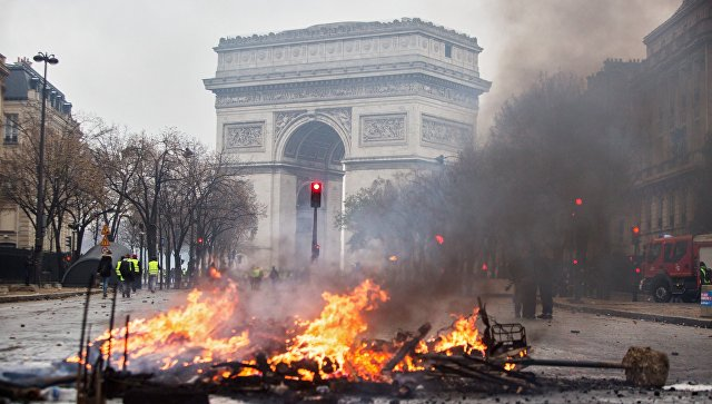 Горящий Париж: Франция пока так и не поняла, что происходит