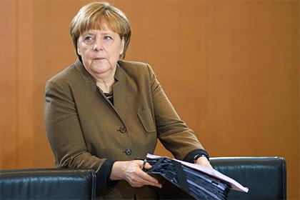 Трамп и Меркель обсудят Россию по телефону