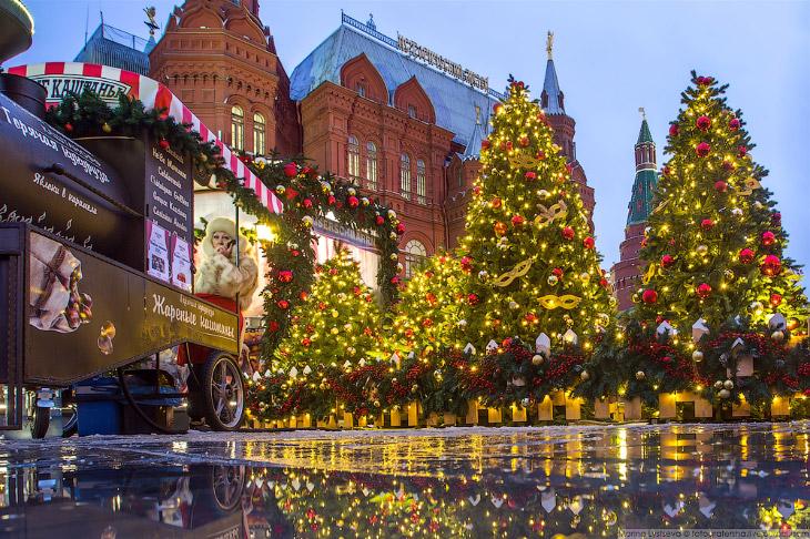 Ностальгическая прогулка по сияющей новогодней Москве