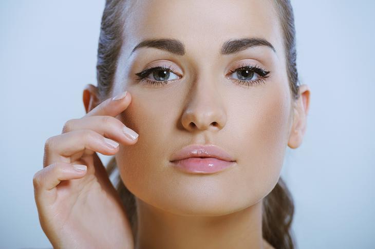 Нежная и чувствительная кожа вокруг глаз — Правильный уход в домашних условиях