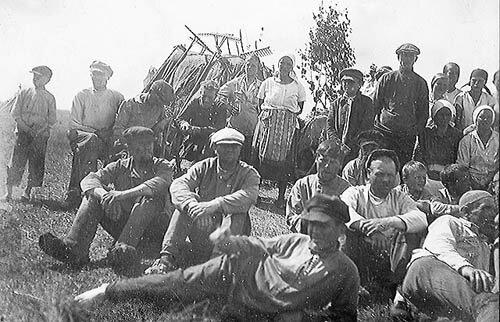 Почему до 1966 года колхозникам не платили зарплату