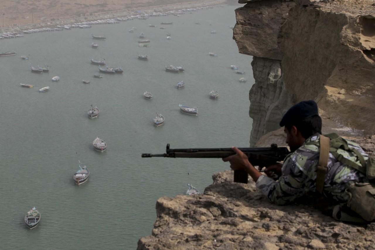 Страсти Ормузского пролива: поставки ближневосточной нефти могут быть блокированы Ираном