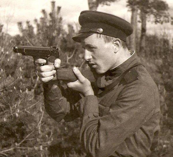 Пистолет Стечкина... оружие не для всех...!
