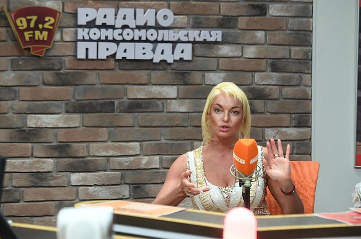Пусть идет в Пенсионный фонд: В Большом театре ответили на претензии Волочковой