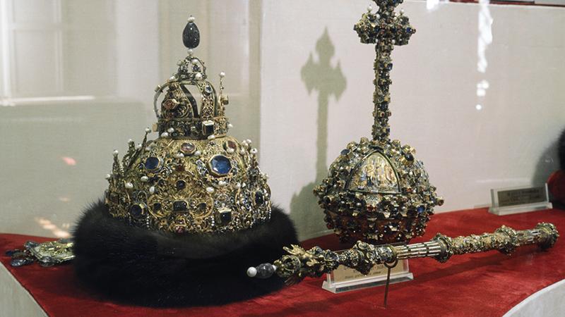 Россияне против монархии