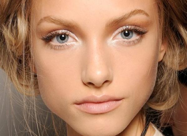Чтобы быть красивой каждый день — пошаговый урок легкого макияжа
