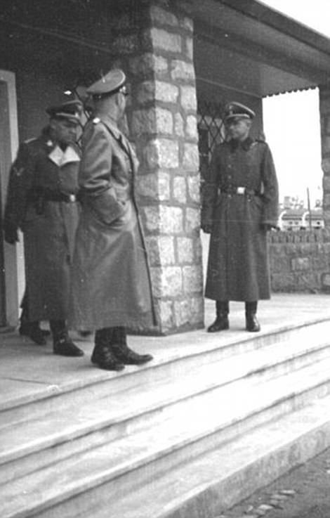 Страшные страницы истории: бордель в Освенциме бордель, война, вторая мировая, заключенные, история, концентрационные лагеря, освенцим, проституция