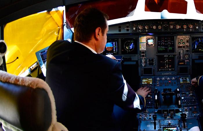 """""""Аэрофлот"""" поднял зарплату командирам воздушных судов до 650 тыс. руб. в месяц"""