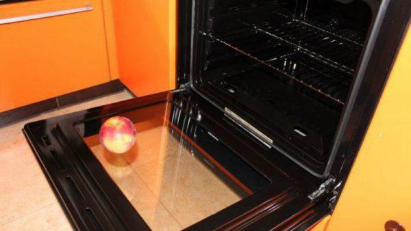 Стекло духовки: очищаем его от жира легко и просто