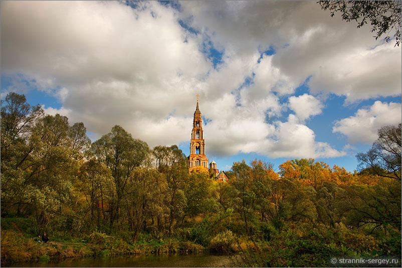 Иванова гора - самая высокая церковь в Подмосковье на берегу реки Нары