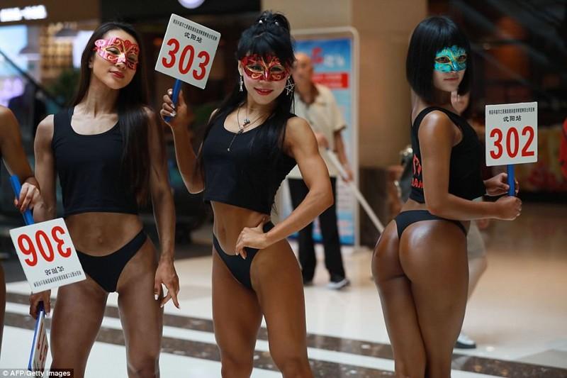 В Китае проводится конкурс красоты женских ягодиц бразилия, бум, китай, конкурс красоты, конкурс поп, состязание, участницы, ягодицы