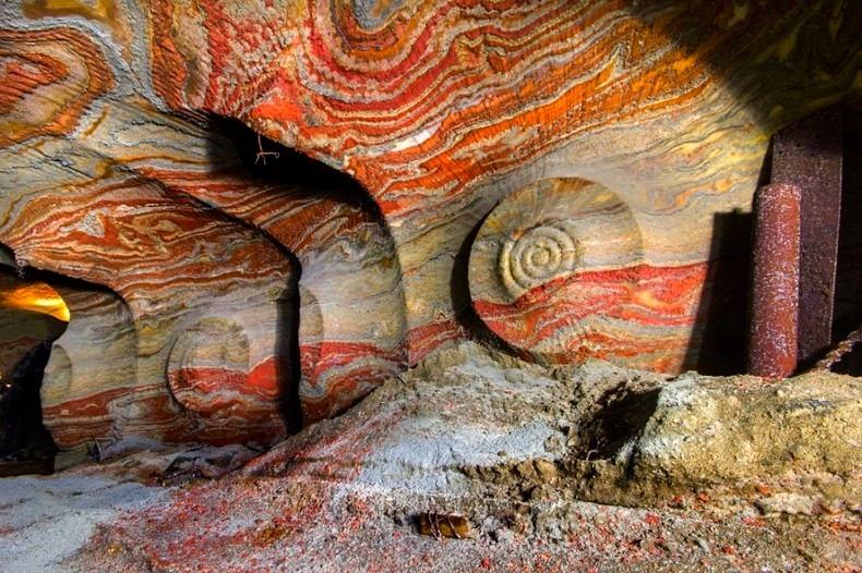 Удивительные соляные пещеры России