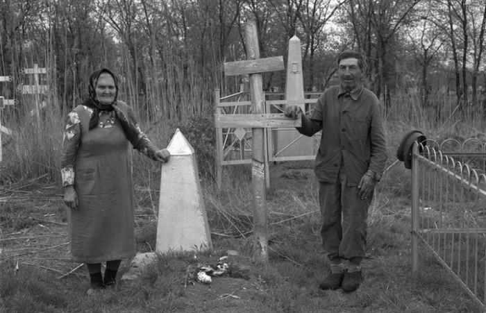 Скромные традиционные поминки. СССР, Новокузнецк, 1980-е годы.
