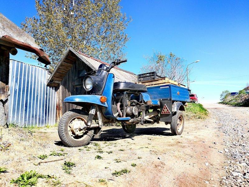 Трехколесный грузовой мотороллер