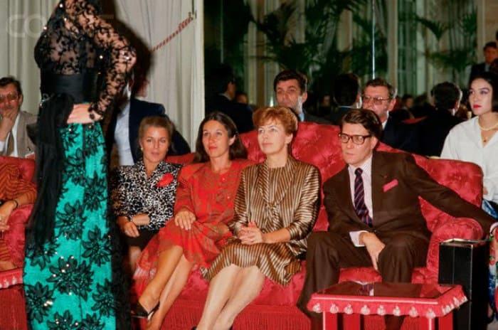 Раиса Горбачева на закрытом показе YSL (Ив Сен-Лоран), 1986   Фото: foto-history.livejournal.com