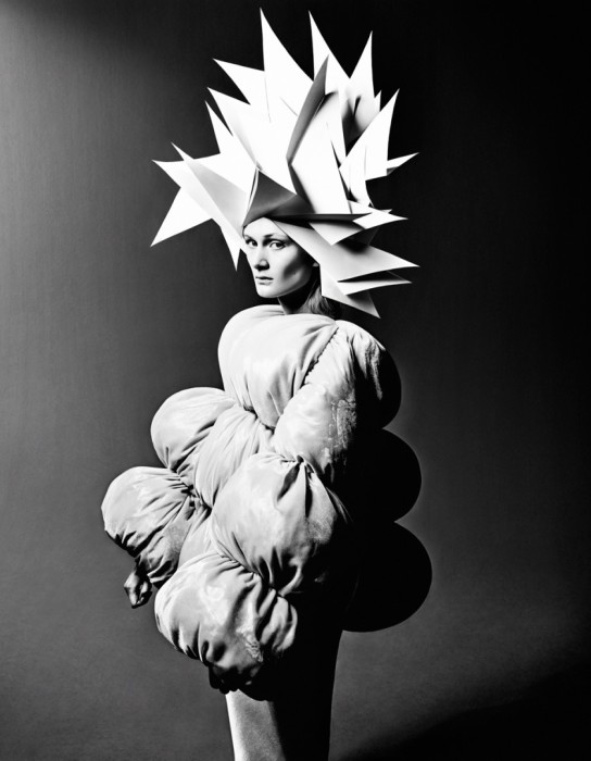 Бумажная корона. Модное фото от фотографа Елизаветы Породиной (Elizaveta Porodina).