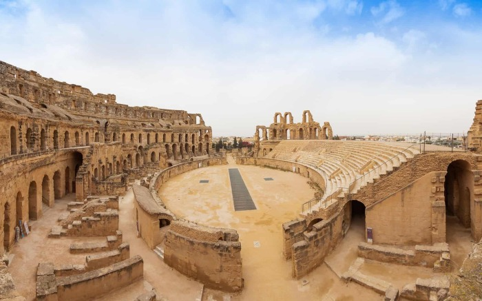 Римский Колизей в Эль-Джеме, Тунис.  Фото: odysseytraveller.com.
