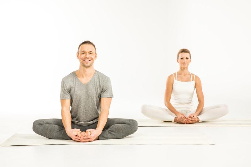в йоге поза лотоса
