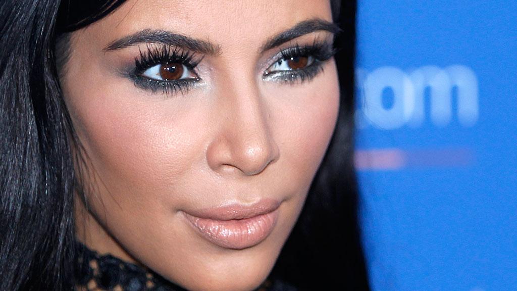 Kim kardashian psoriasis on face