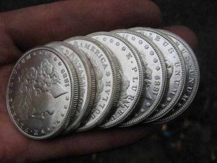 Фоторепортаж: Производство фальшивых монет в Китае