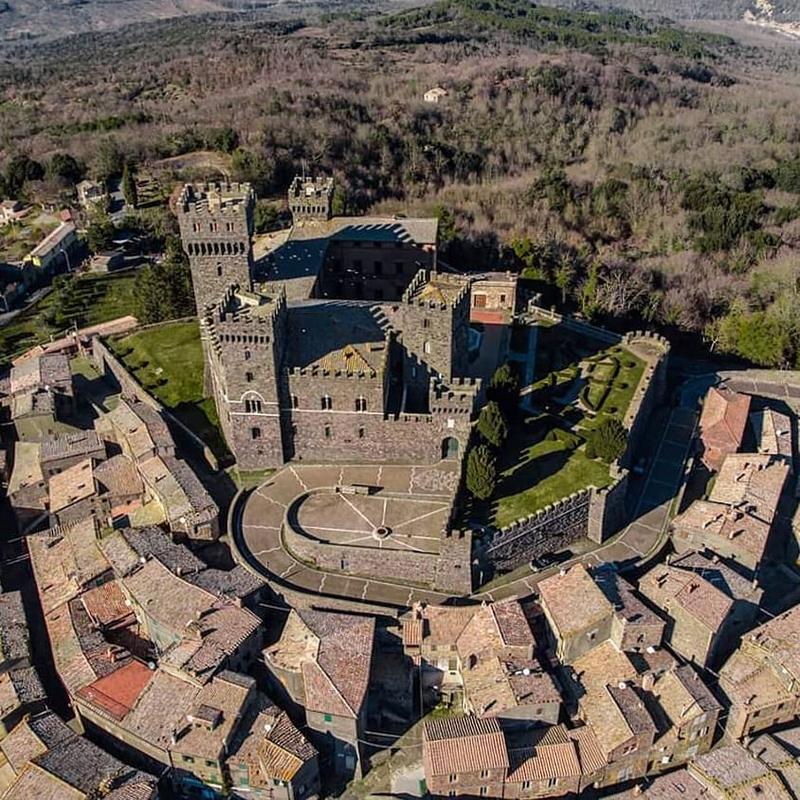 Замок Торре-Альфина и «лес Б…