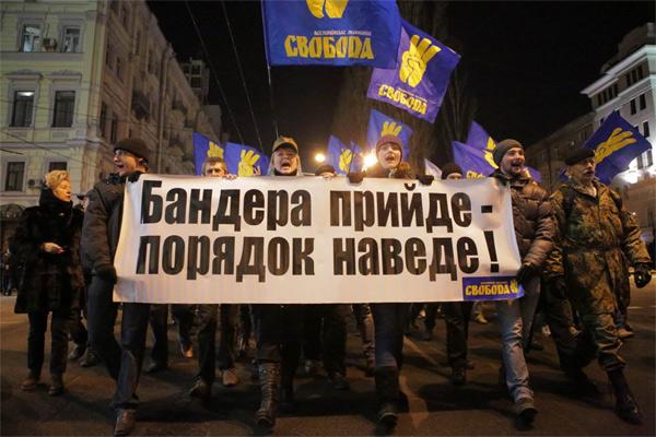 Западная Украина падает в экономическую пропасть быстрее других регионов