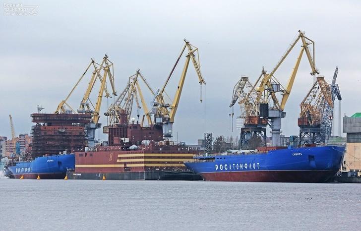 Атомные ледоколы «Арктика» и «Сибирь» на достройке