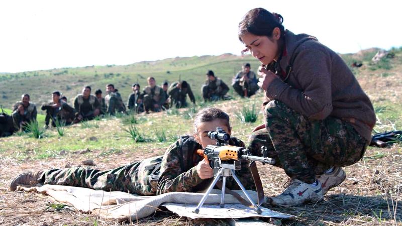 В Сирии только девушки: как женские отряды самообороны бьются против ИГИЛ