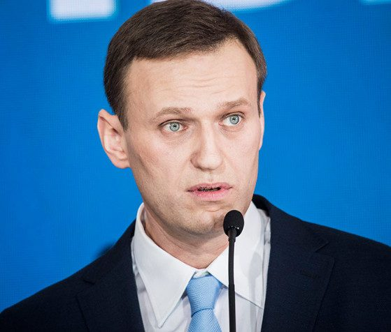 Навальный подал в суд на ЦИК после отказа в регистрации