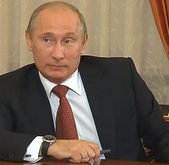 Путин в Ульяновске осмотрел электробусы для Москвы