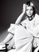 Саша Пивоварова (Sasha Pivovarova) в фотосессии Дэвида Симса (David Sims) для журнала Vogue US (январь 2014)
