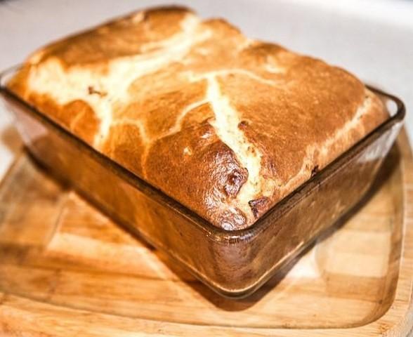 Заливной пирог с мясом на кефирной основе