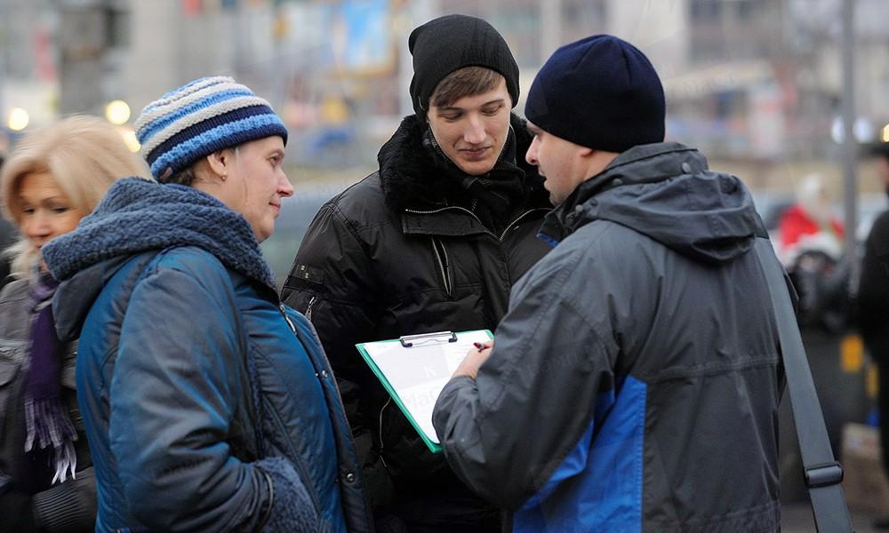 Украина: «Все соцопросы идут в одно известное место на букву «Ж»
