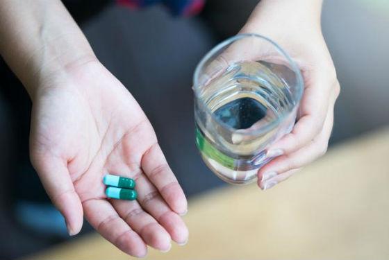 Антибиотики уничтожают не только вредные бактерии, но и полезные