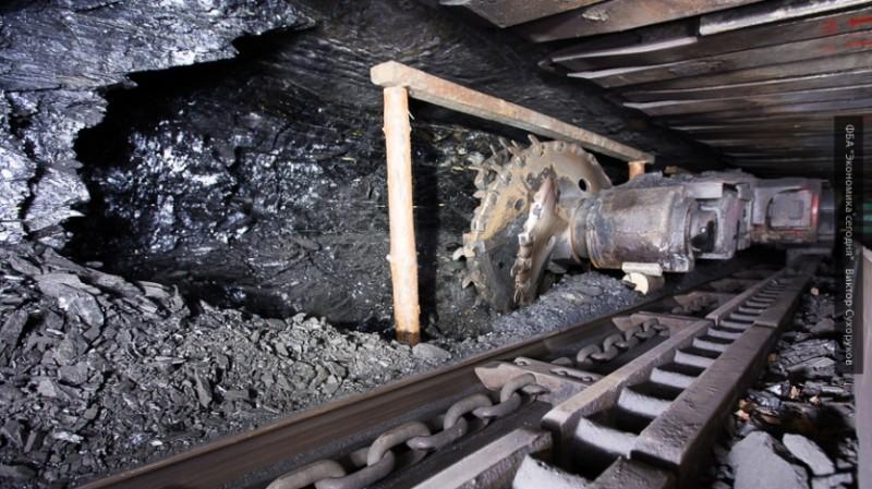 Без угля Донбасса: Киев довел экономику страны до банкротства
