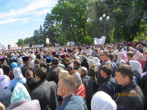 Православные молебном у Верховной Рады защищают свои права (см.ВИДЕО)